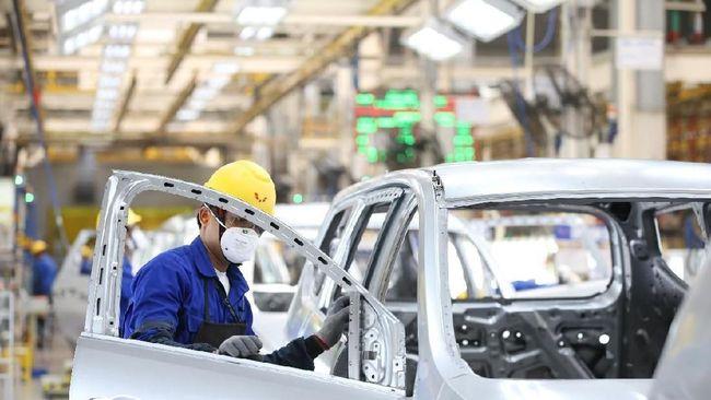 Serikat pekerja otomotif memastikan penutupan sementara pabrik yang dilakukan sejumlah merek tidak mempengaruhi gaji karyawan.
