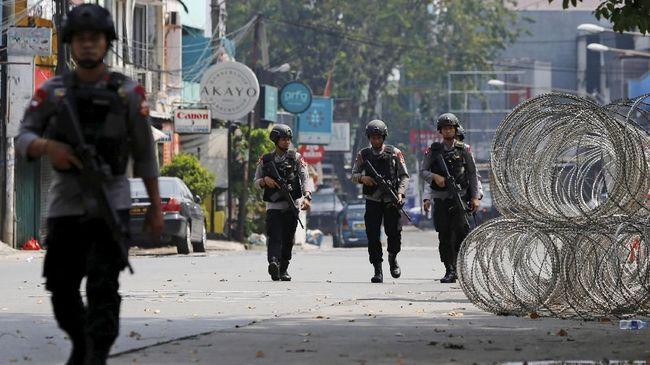 Polisi meminta warga lebih peduli dan aktif melaporkan perilaku mencurigakan di sekitarnya.