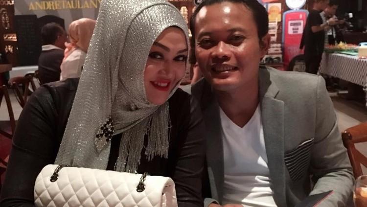 Lina dan Sule sudah bercerai sejak tahun 2018. Sebelum meninggal, Lina sempat menanyakan kabar Sule kepada Rizky Febian. Ini 5 fakta terkait hubungan mereka.