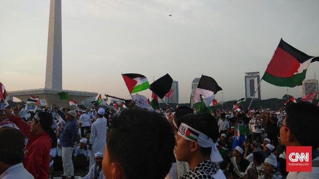 Massa Aksi Pembebasan Baitul Maqdis 115 Putihkan Monas