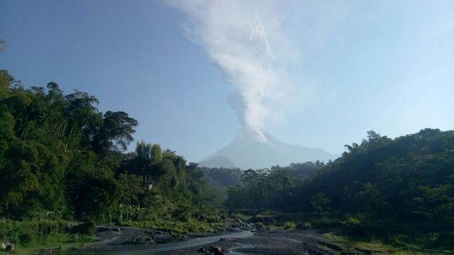 PT Angkasa Pura I memaparkan ada 28 pembatalan penerbangan dari dan menuju ke Bandara Adisutjipto pasca letusan Gunung Merapi.