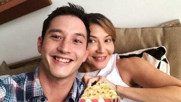 Perceraian bukan halangan bagi Tamara Bleszynski dan Mike Lewis untuk menjalin persahabatan.