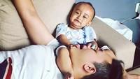 <p>Byan, ayahnya diapain sih itu? (Foto: Instagram/ @boby_tince) </p>