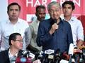 Mahathir Batalkan Proyek Kereta Cepat Malaysia-Singapura