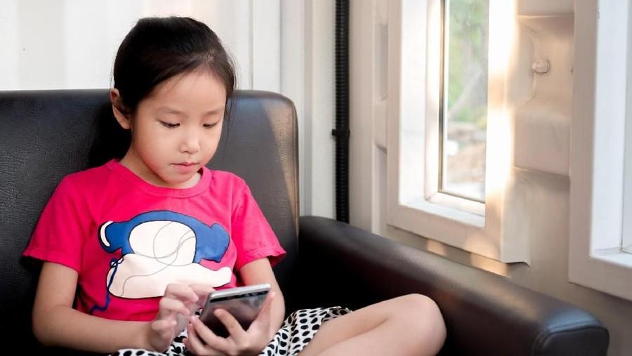 Sering Main Media Sosial Tingkatkan Risiko Depresi Anak