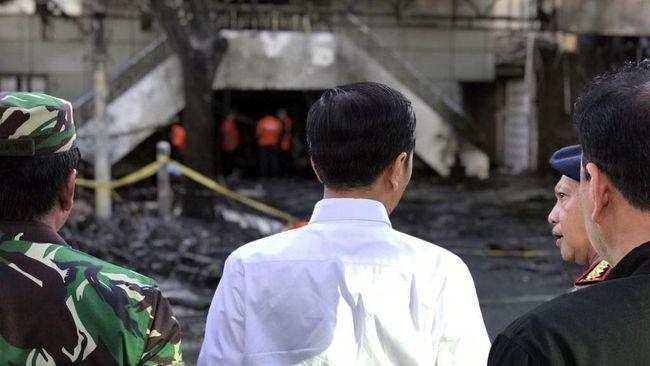 Presiden Jokowi memastikan seluruh korban bom Surabaya akan mendapatkan biaya dari pemerintah secara keseluruhan.