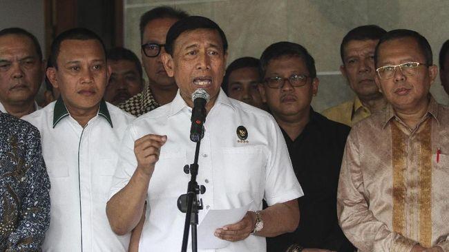 Menko Polhukam Wiranto menjamin pemerintah bakal terus memburu pelaku terorisme usai vonis hukuman mati pada terdakwa kasus terorisme Aman Abdurrahman.
