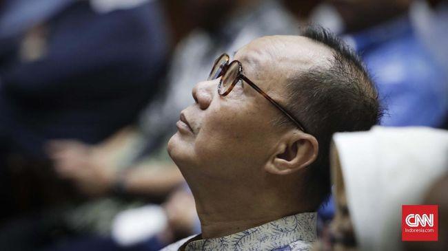 Syafruddin Temenggung didakwa merugikan uang negara sebesar 4,5 triliun rupiah dalam kasus BLBI karena menerbitkan SKL kepada Sjamsul Nursalim dalam kasus BLBI.
