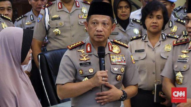 Sebelumnya Polri melalui KadivHumas Irjen Setyo Wasisto menyebut penyerang Polda Riau adalah anggota Negara Islam Indonesia yang berafiliasi dengan ISIS.