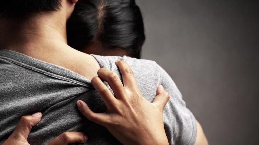 Dukungan Istri Ketika Suami Terjerat Kasus Hukum