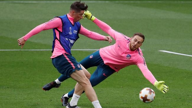 Penjaga gawang asal Slovenia Jan Oblak ingin meninggalkan Atletico Madrid dan bertekad menggeser posisi David de Gea di Manchester United.