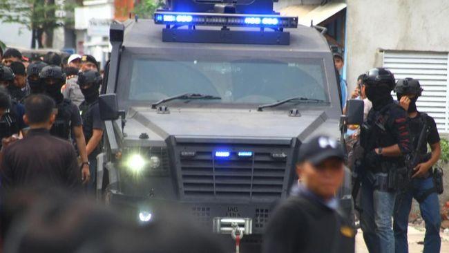 KKB masuk daftar kelompok teroris di Indonesia usai diumumkan pemerintah dengan merujuk pada UU Terorisme.