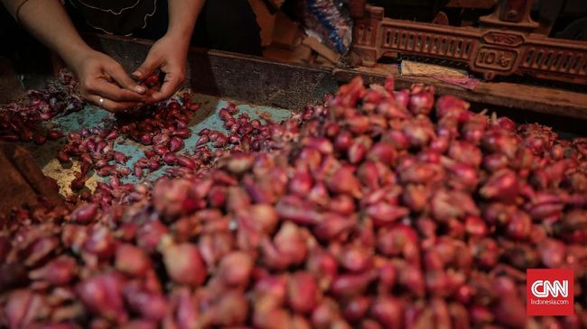 Jelang Nataru, Harga Bawang Merah dan Daging Sapi Kian Mahal