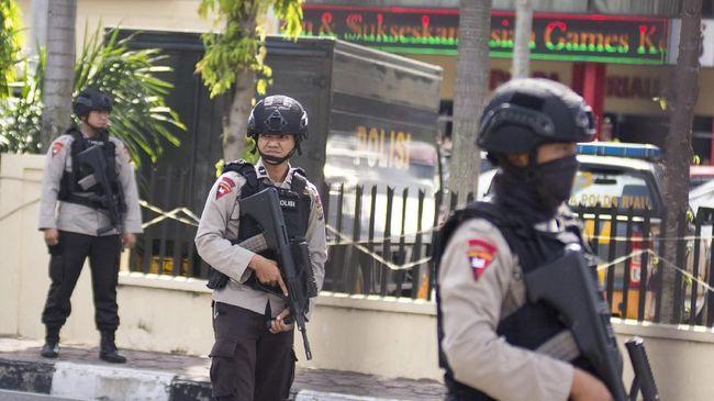 Kepala Staf Kepresidenan Moeldoko menyatakan pentingnya keterlibatan TNI menyusul rentetan aksi teror yang terjadi di Surabaya dan Mapolda Riau pagi tadi.
