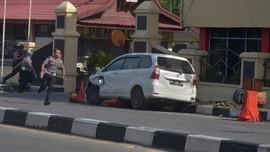 Aksi Polisi Lumpuhkan 3 Teroris Mapolda Riau Berbuah Pin Emas