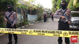 Dua Terduga Teroris Poso Tewas dengan Bom di Dada