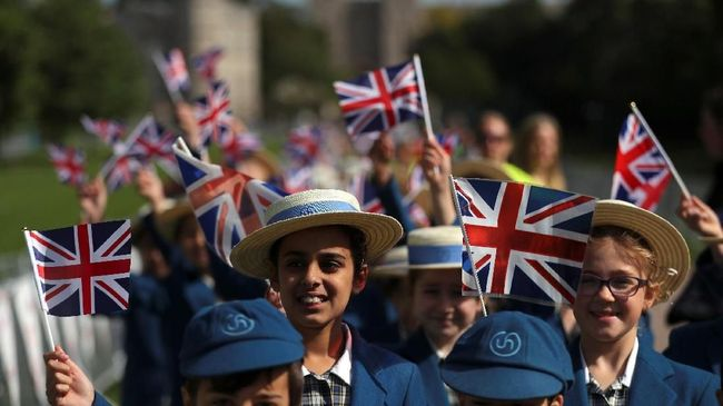 Pernikahan Pangeran Harry diprediksi akan disaksikan jutaan orang di dunia, dan ribuan dari mereka datang langsung ke Windsor untuk menyaksikan sejarah.