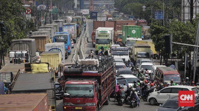 Kementerian PUPR mengebut pembangunan terowongan (underpass) Bulak Kapal demi mengurangi kemacetan di Bekasi.