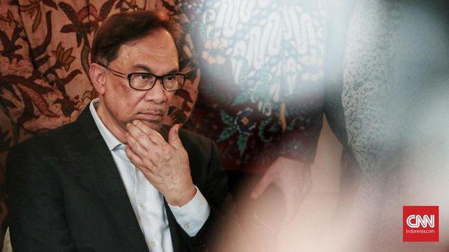 Pemimpin oposisi Malaysia, Anwar Ibrahim, curiga alasan di balik dakwaan anggota parlemen dari koalisinya, Syed Saddiq, jelang pembukaan masa sidang parlemen.