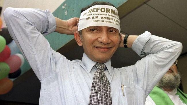 Sejarah hidup Amien Rais adalah cerita tentang kritikus konsisten terhadap Presiden Soeharto sejak dekade 90-an sekaligus kisah 'pengkhianat' Reformasi.