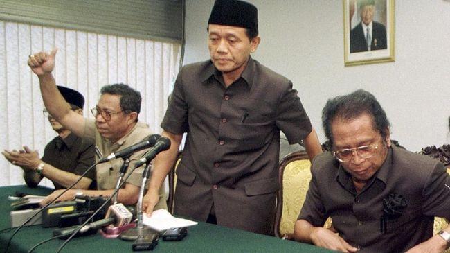 Soeharto merasa sejumlah lingkaran kepercayaannya 'berkhianat' menjelang pengunduran diri pada Mei 1998. Dia pun menolak bertemu mereka hingga akhir hayatnya.