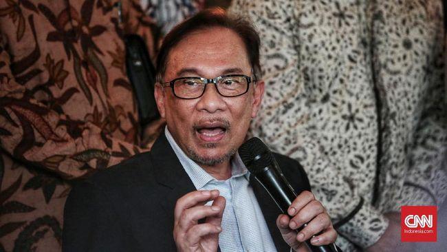 Ketua Umum Partai Gerindra Prabowo Subianto dikabarkan menemui Ketua Umum Pakatan Harapan Anwar Ibrahim saat mengunjungi Malaysia, Selasa (22/5).