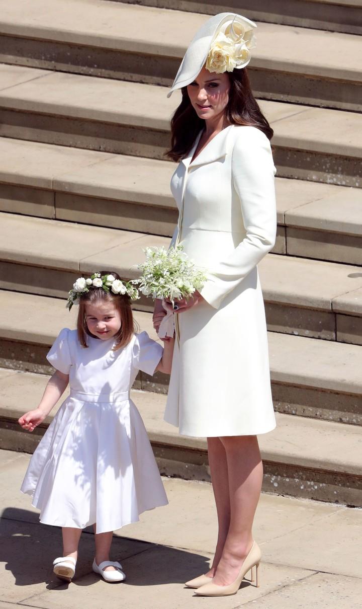 Putri cilik ini sering menjadi pusat perhatian banyak orang. Ini tak lain karena Putri Charlotte lucu, menggemaskan, dan ceria.