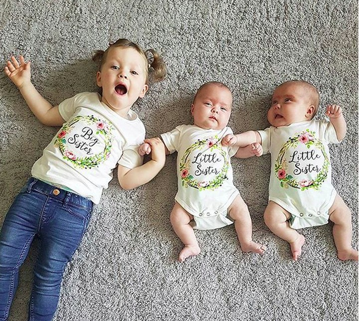Kakak dan dua adik kembarnya ini lucu banget. Bikin gemas maksimal.