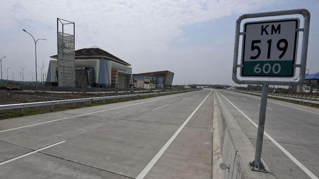 Yayasan Lembaga Konsumen Indonesia (YLKI) menilai tarif Tol Trans Jawa terlalu mahal, baik untuk kendaraan pribadi maupun angkutan barang.