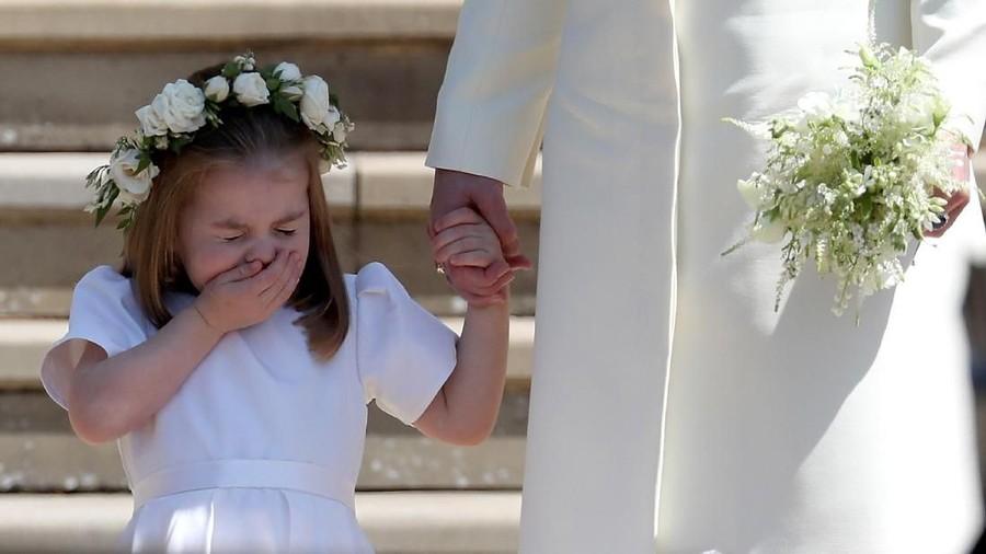 Ekspresi Bersin Putri Charlotte pun Menggemaskan Banget