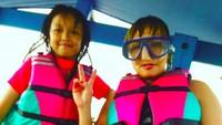 <p>Michele udah siap snorkeling nih sama bundanya. (Foto: Instagram/ @pinkan_mambo) </p>