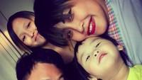 <p>Kompak selalu Pinkan dan keluarga! (Foto: Instagram/ @pinkan_mambo)</p>