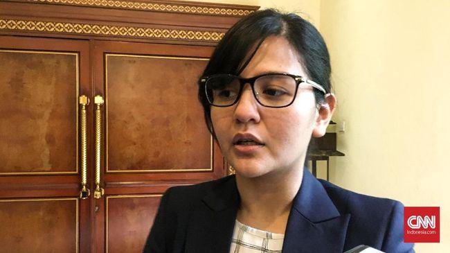Sekjen PSSI Ratu Tisha menegaskan tak merasa tertekan saat disoraki oleh sejumlah suporter di Makassar pada final Piala Indonesia.
