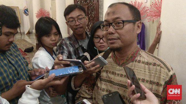 Gubernur DKI Anies Baswedan meminta Dirut PD Dharma Jaya yang baru bisa memenuhi permintaan daging di Jakarta sambil belajar dari pengalaman pemimpin yang lalu.