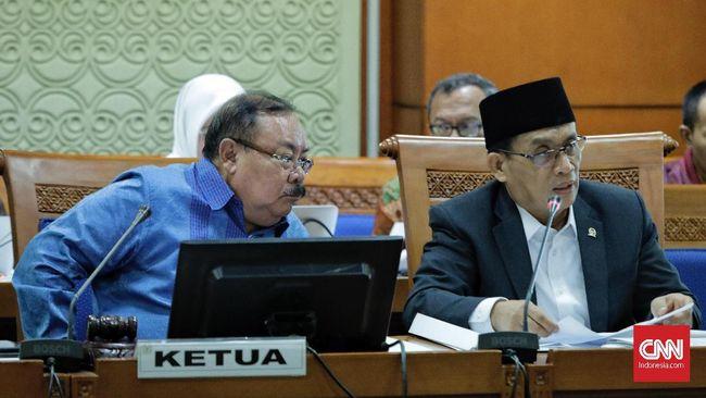RUU Terorisme disahkan menjadi UU setelah disetujui oleh para anggpta DPR yang hadir dalam rapat paripurna DPR, Jumat (25/5).