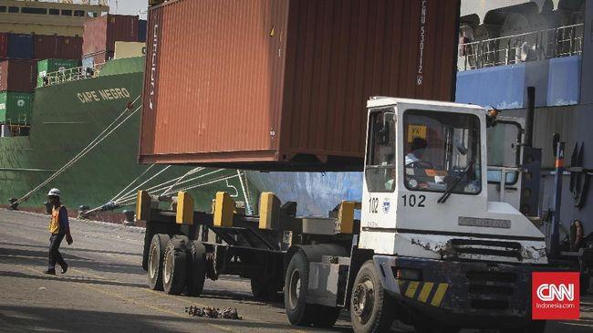 Kementerian Perindustrian mengaku khawatir rencana pengetatan impor barang modal dan bahan baku dapat menahan produktifitas industri.