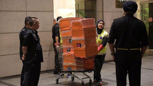 Polisi: 35 Karung Uang Sitaan dari Najib Razak Capai Rp463 M