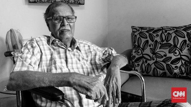 Sepanjang hidupnya, selain menjadi wartawan, Alwi Shahab dikenal sebagai seorang sejarawan, menerbitkan tulisan dan buku tentang Jakarta.