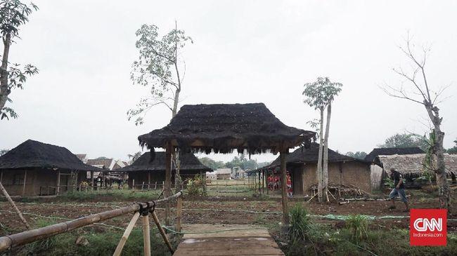 Hanung Bramantyo membangun set lokasi syuting untuk 'Bumi Manusia' di Yogyakarta. Film itu akan syuting di Yogyakarta, Semarang dan Belanda.