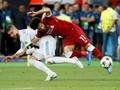 Pesan Mohamed Salah di Balik Tangisan Sergio Ramos