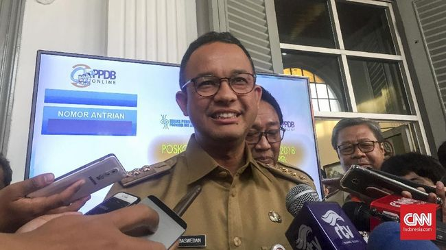 Gubernur DKI Jakarta Anies Baswedan menyebut mulai 10 April PSBB diberlakukan kegiatan resepsi, khitan, dan perayaan lainnya ditiadakan.