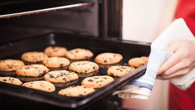 Membeli peralatan masak seperti oven nggak bisa sembarangan. Kualitas dan sistem keamanannya harus diperhatikan.