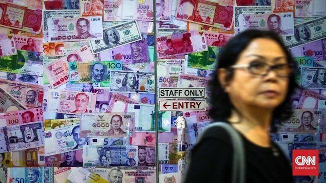Nilai tukar rupiah dibuka di posisi Rp14.608 per dolar AS pada perdagangan hari ini, Selasa (28/8), atau menguat 12 poin dibanding penutupan kemarin.