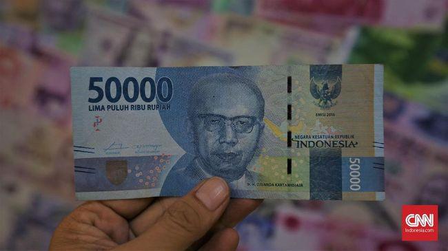Kadin Jakarta memperkirakan Lebaran tahun ini ada aliran uang Rp 8 triliun dari Jakarta ke daerah dibawa pemudik.