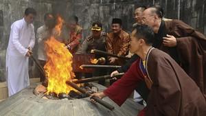 Tahun Lalu Mendadak Padam, Api Abadi Mrapen Kini Menyala Lagi