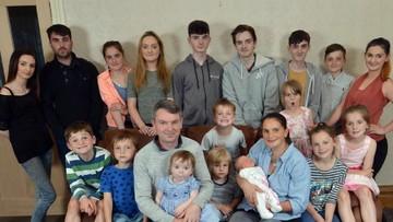 Potret Keluarga Besar! Anak ke-21 Bakal Segera Lahir