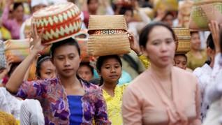 FOTO: Pulang ke Kampung Halaman di Hari Raya Galungan