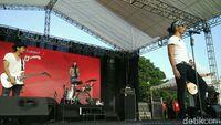 a03313a1 7365 464f 90e2 1bf75b4a53cf 169 - Konser Slank di Aceh Batal, Bimbim Posting Akustikan Bareng Slanker