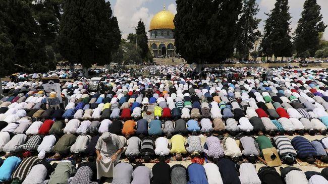 Menteri Pariwisata Israel dikabarkan mendesak Kementerian Luar Negerinya agar larangan WNI masuk ke negeri itu dicabut sepenuhnya.
