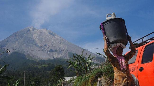 Status Waspada, Warga Diimbau Tak Mendaki Gunung Merapi